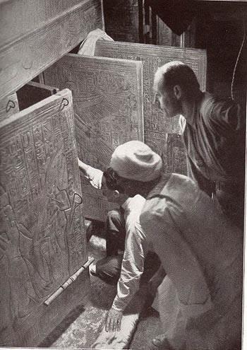 Говард Картер открывает гробницу Тутанхамона