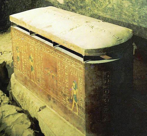 Саркофаг фараона Аменхотепа II из гробницы KV35